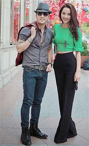 Ưng Hoàng Phúc - Kim Cương: Là một người mẫu, Kim Cương luôn yêu thích phong cách gợi cảm, ưu tiên các trang phục khoe được nét đẹp cơ thể như váy bó sát, áo hở eo...