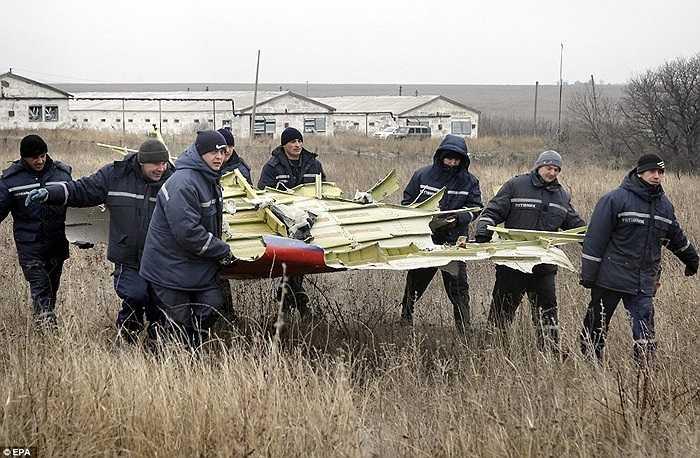 Quang cảnh hiện trường vụ tai nạn của chuyến bay MH17 ngày 17/7 vừa qua