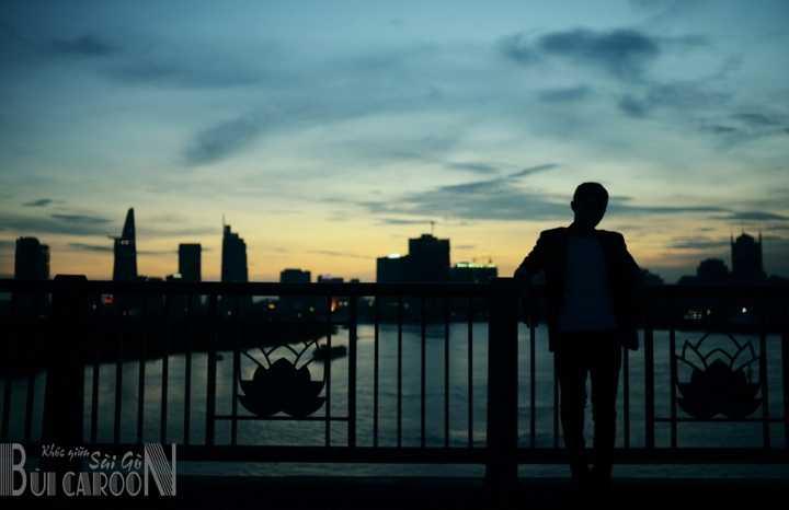 Khóc giữa Sài Gòn