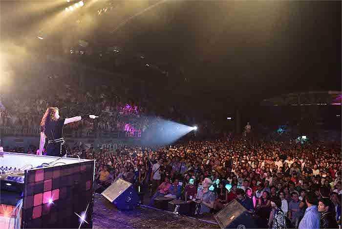 Tối ngày 18/11, đêm đầu tiên của Hương Ga DJ Party đã được tổ chức tại sân khấu Lan Anh, TP.HCM.