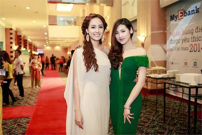Khi đứng cạnh Mai Phương Thúy, Dương Tú Anh 'ghi điểm' với vẻ trẻ trung, đáng yêu.