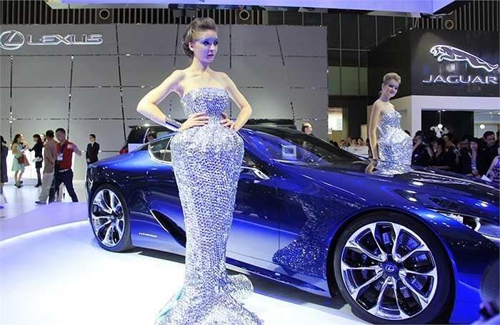 103 mẫu xe mới nhất sẽ được trưng bày, giới thiệu đến người yêu chuộng xe hơi Việt Nam.