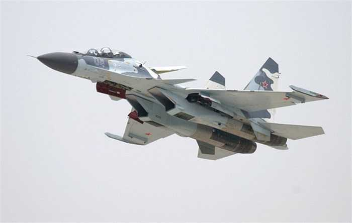 Máy bay chiến đấu đa chức năng 2 chỗ ngồi Su-30