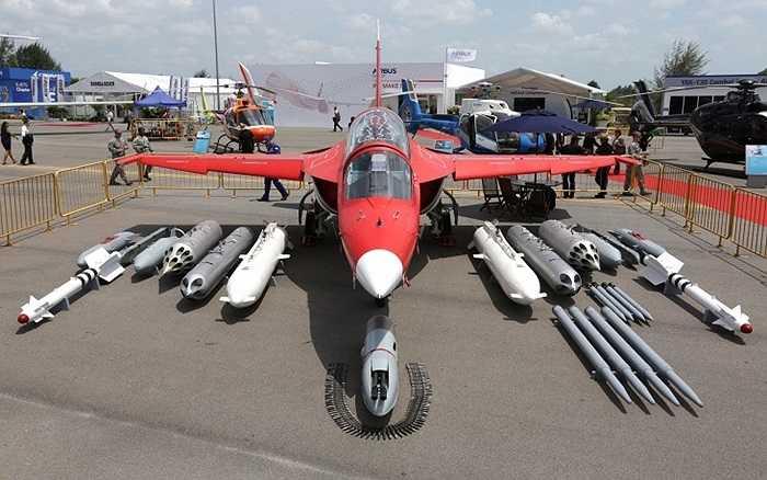 Máy bay huấn luyện Yak-130