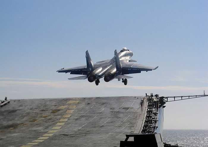 Su-33, phiên bản chiến cơ dành cho tàu sân bay