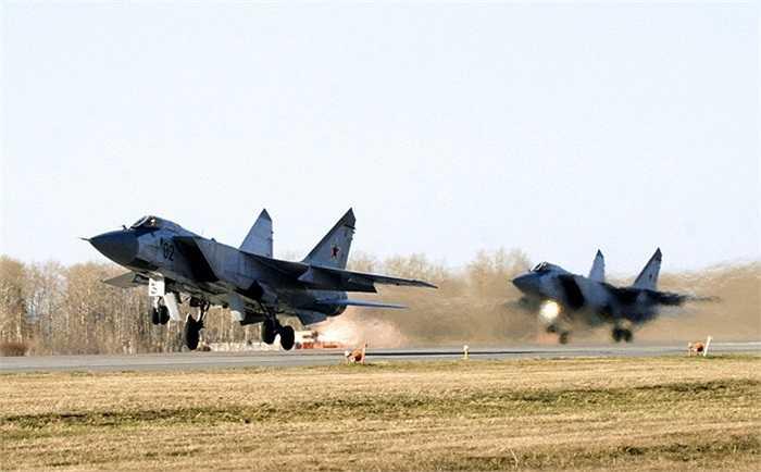 Máy bay chiến đấu siêu thanh MiG-31 có thể đạt vận tốc đến 3.000 km/h