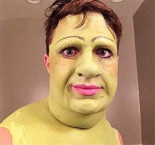 Màn hoá trang thành Fiona trong bộ phim hoạt hình Shrek của nam diễn viên, người mẫu điển trai - Colton Haynes trong dịp Halloween vừa qua đã thực sự khiến dân mạng phát sốt.