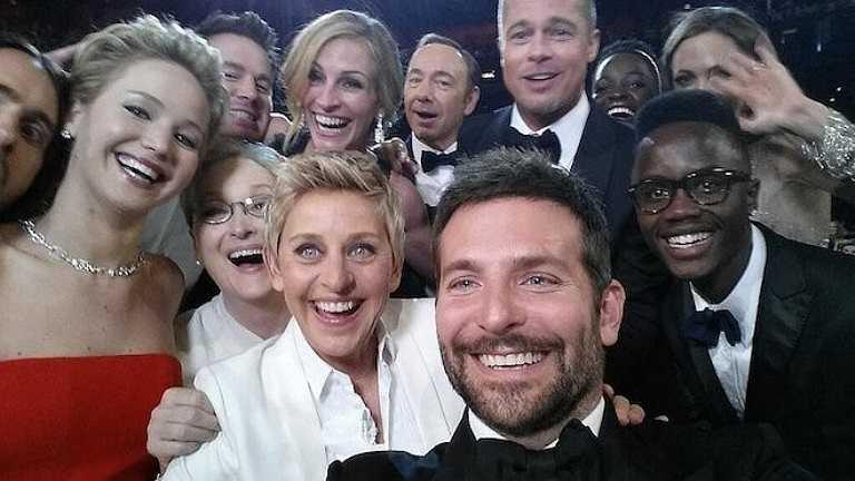 Bức ảnh phá vỡ kỷ lục trên Twitter với hơn 3 triệu lượt chia sẻ do Ellen DeGeneres (áo trắng trên cùng) đăng tải trên trang cá nhân. Tấm hình có sự góp mặt của khá nhiều tên tuổi đình đám, được chụp trong lễ trao giải Oscar năm 2014.