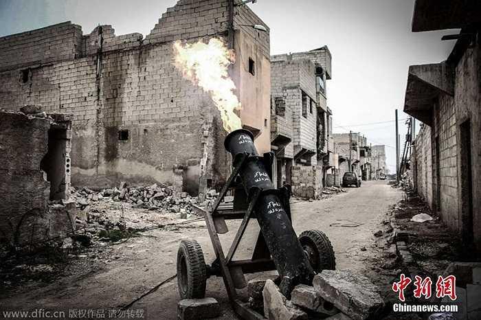 Cận cảnh pháo tự chế của phe nổi dậy Syria