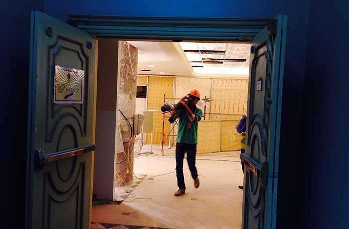 Hiện tại, việc sửa chữa đang được tiến hành gấp rút để Trung tâm thương mại bậc nhất Hà Nội này có thể khai trương lại trong tháng 12 như dự kiến
