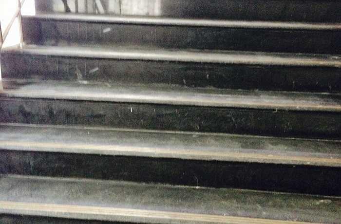 Các cầu thang bộ phục vụ cho công tác thi công