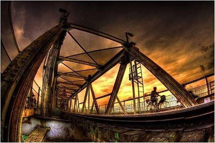 Cầu Long Biên nổi tiếng