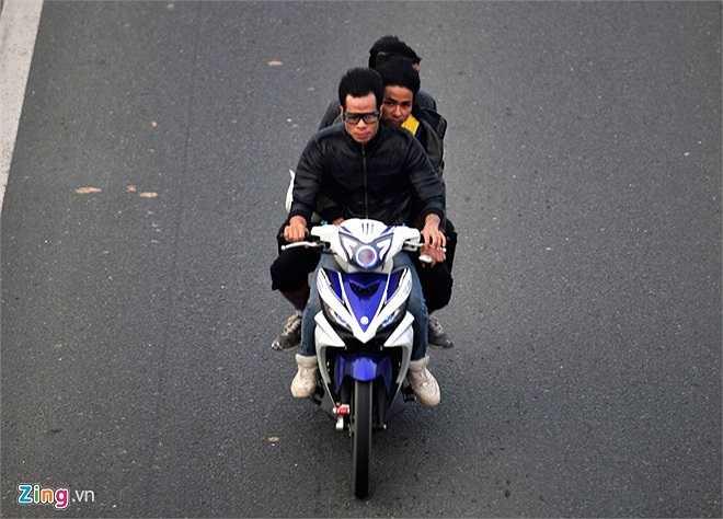 Việc vi phạm luật lệ giao thông ở tuyến cao tốc này diễn ra hàng ngày.