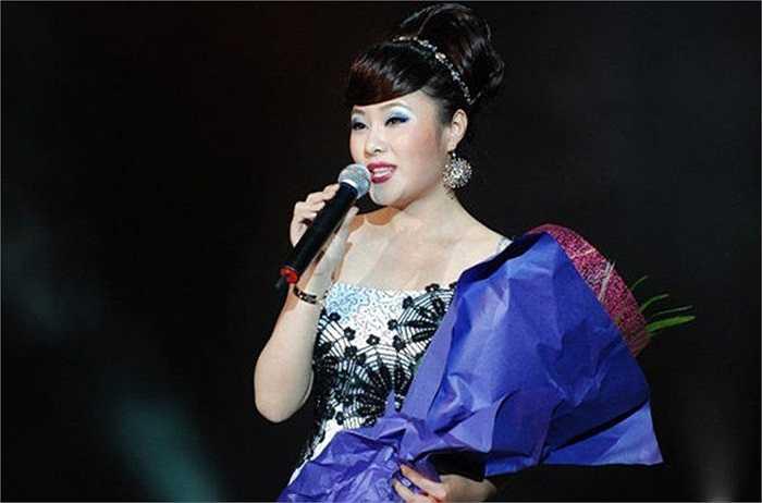 Nữ ca sỹ Lạc Phi đã nhận tội trước tòa và không kháng cáo sau khi tòa án Trung cấp số 2 ở Bắc Kinh tuyên phạt cô 5 năm tù giam hôm 2/12/2014