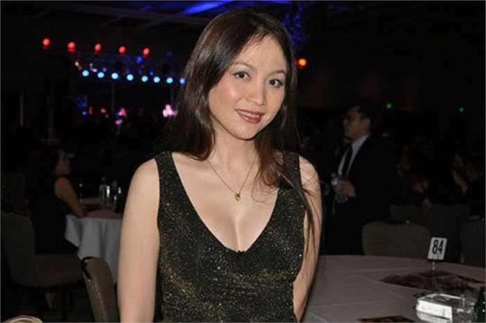 Nhiều người gọi Thiên Nga là Hoa hậu bí ẩn nhất vì rất hiếm khi cô chia sẻ thông tin hoặc xuất hiện trước truyền thông. Dù vậy, những hình ảnh hạnh phúc của Thiên Nga tại Mỹ khiến công chúng tin rằng cô đang có một cuộc sống viên mãn bên chồng con.