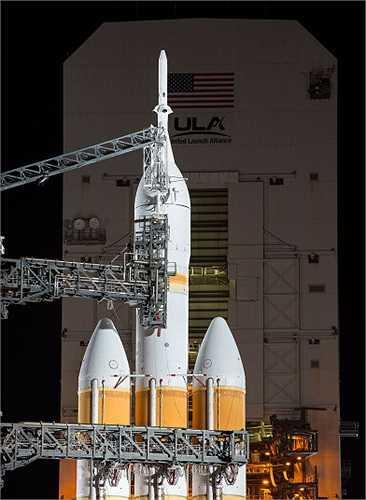 Hệ thống tên lửa đẩy hạng nặng Delta V có nhiệm vụ đưa Orion lên vũ trụ.