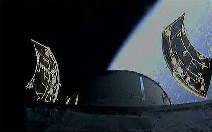 Orion tự động tháo bỏ những bộ phận không còn tác dụng sau khi vào quỹ đạo