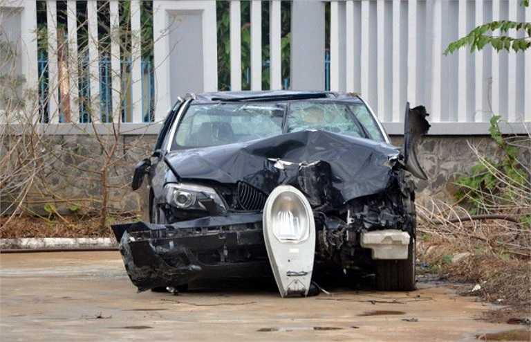 Xe BMW tại sân của Phòng Cảnh sát giao thông- Công an tỉnh Bà Rịa- Vũng Tàu - Ảnh: Đông Hà