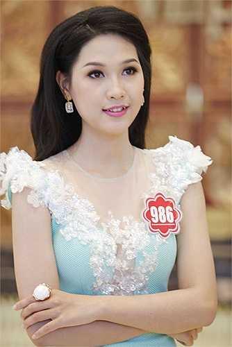 Nguyễn Thị Hà Vy (SBD 986) đến từ Huế.