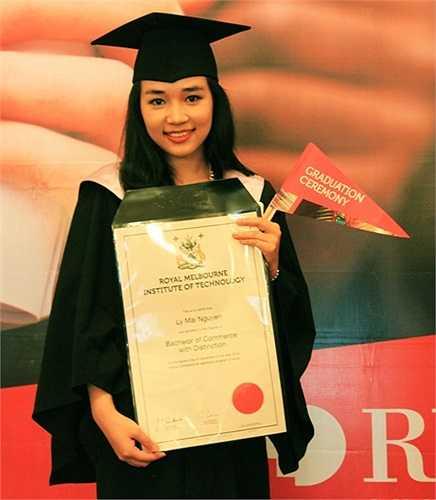 Cô bạn Nguyễn Mai Ly - Hoa khôi ĐH RMIT Việt Nam vừa tốt nghiệp chương trình Cử nhân Thương mại với tấm bằng loại giỏi