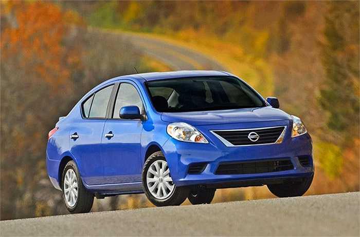 Nissan Versa Sedan - 42%,   nằm trong số 3 mẫu xe được chuộng ít nhất.