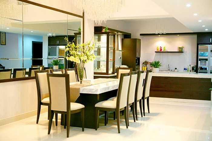 Phòng ăn trang nhã trong ngôi biệt thự của Quyền Linh.