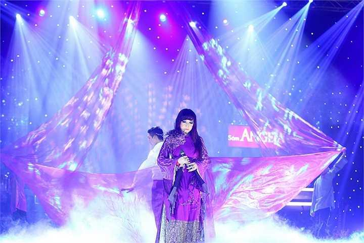 Trong liveshow, Bảo Yến thể hiện duy nhất 1 ca khúc về Huế mà chị thể hiện thành công nhất là Mưa trên phố Huế