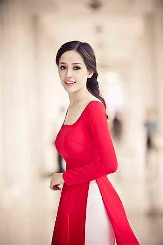 Tuy nhiên, do đến muộn, Mai Phương Thuý đã bỏ lỡ đêm ra mắt các thí sinh và phần thi Hoa hậu biển (phần thi đầu tiên) của cuộc thi này.