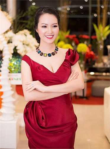 Năm 2008, Thụy Vân đoạt ngôi vị Á hậu của cuộc thi Hoa hậu Việt Nam 2008.