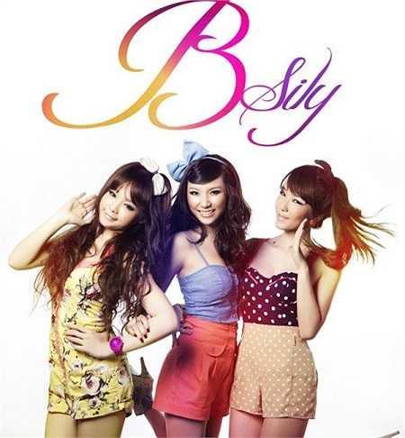 Năm 2011, Huyền Baby cùng 2 người bạn thân Hạnh Sino và Emily thành lập nhóm nhạc mang tên B.sily. Ca khúc đầu tay của nhóm là một bản ballad buồn mang tên 'Dù em vẫn biết' nhận được khá nhiều hưởng ứng tích cực từ người nghe.