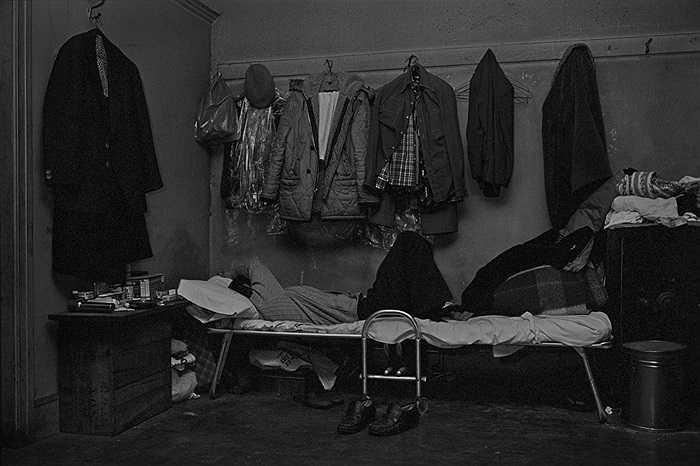 Khu ngủ nghỉ đơn sơ của những người nhập cư Trung Quốc
