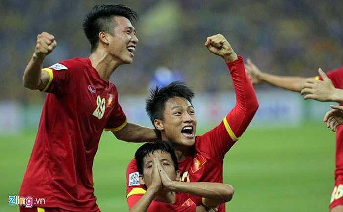 Thắng 2-1, ĐT Việt Nam gần như đã đặt một chân vào trận chung kết