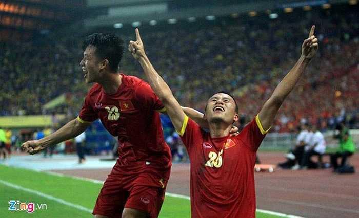 Mặc dù vậy, tại sân Shah Alam tối qua, ĐT Việt Nam là những người chơi hay hơn. Tới phút 32, Huy Toàn đã cân bằng tỷ số