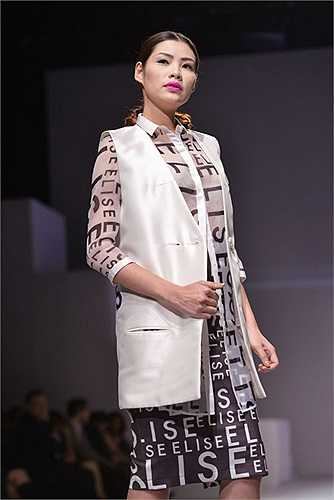 Nhà thiết kế Minh Hạnh – linh hồn của Vietnam Fashion Week khẳng định đây là bước đột phá của một nhà mốt mang đến tuần lễ thời trang