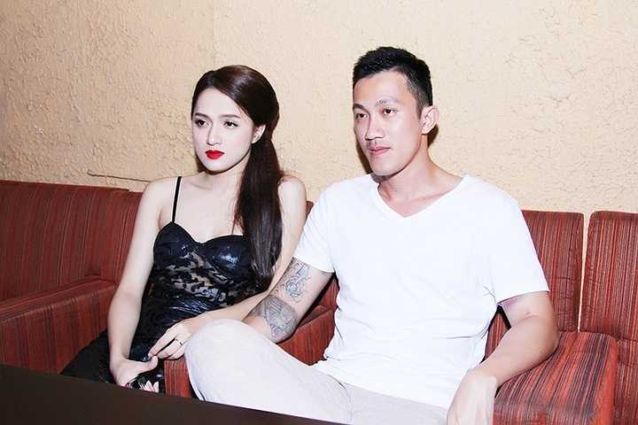 Hương Giang Idol đã có buổi biểu diễn tại phòng trà trong quận 1 thu hút nhiều sự quan tâm của khán giả