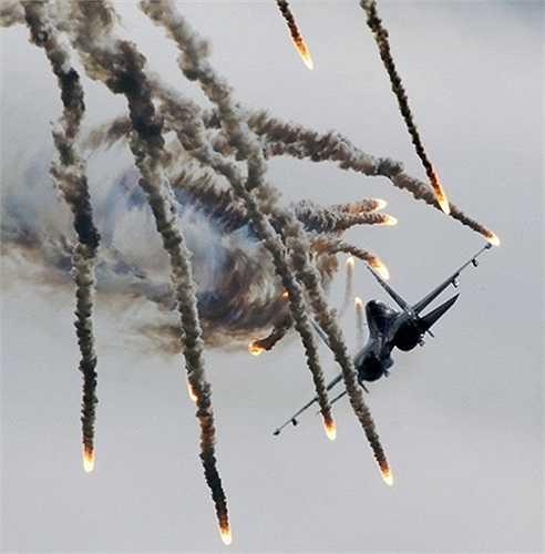 Hiệp sỹ Nga là đội bay duy nhất trên thế giới hiện nay sử dụng các chiến cơ hạng nặng
