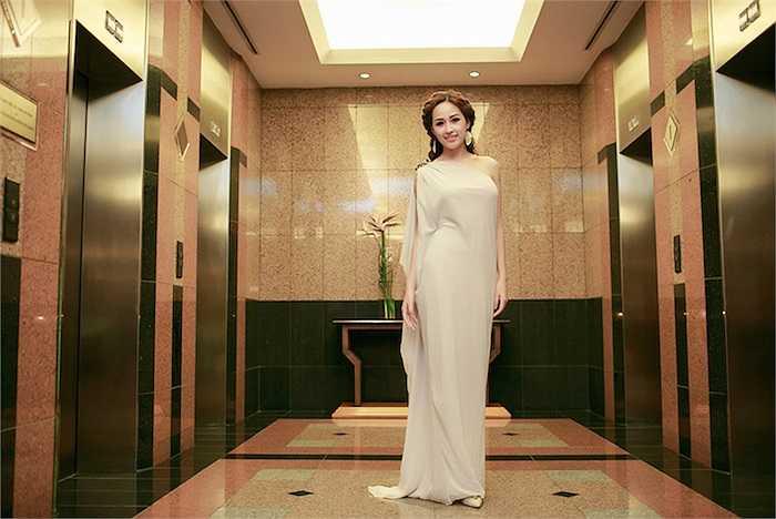 Sau khi tuyên bố từ bỏ showbiz và bận rộn với công việc kinh doanh, Mai Phương Thúy gần như 'biến mất'.