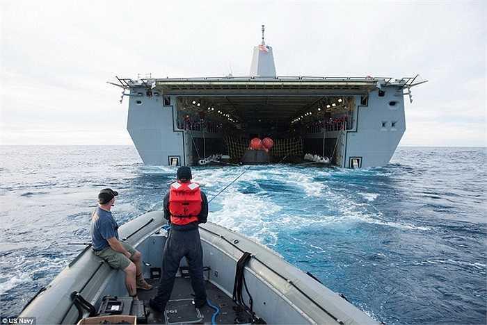 Tàu Orion được đưa vào khoang chứa