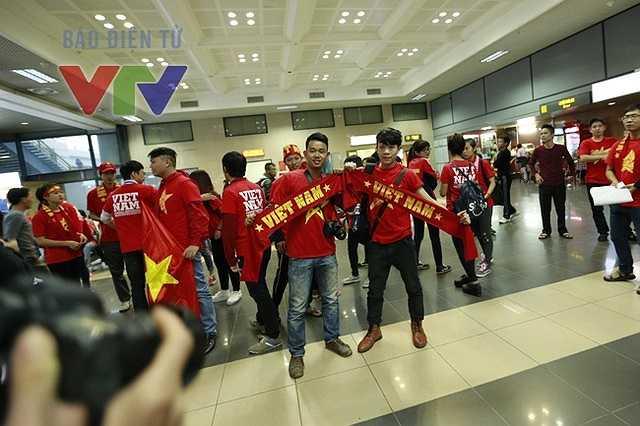 Sẵn sàng đón đội tuyển trở về(Ảnh: VTV)