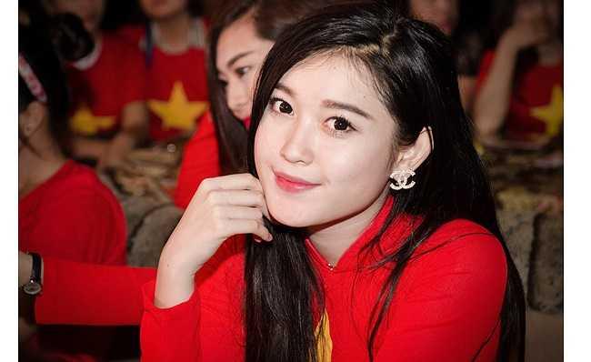 Cô ngày càng thành công hơn khi giành giải Á hậu Hoa hậu Việt Nam 2014. Dư luận đang mong chờ sự tỏa sáng của tân Á hậu.