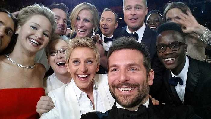 Các diễn viên nổi tiếng chụp ảnh 'tự sướng' trong lễ trao giải Oscar ngày 2/3/2014
