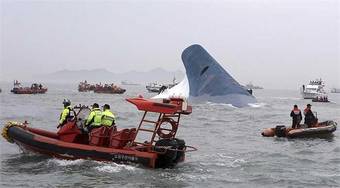 Phần còn lại của tàu Sewol ở Hàn Quốc ngày 16/4/2014