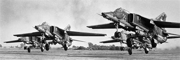 Các máy bay ném bom MiG-27