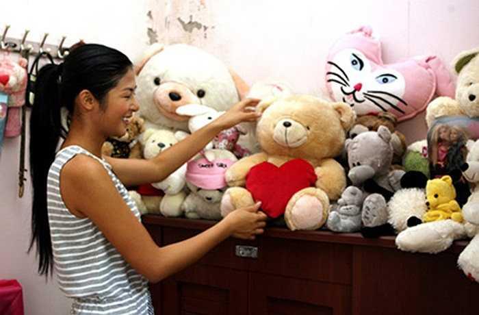 Hoa hậu 2010 Ngọc Hân hiện đang sống cùng gia đình trong một căn nhà khang trang