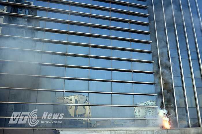 Chiều ngày 17/12/2014 tại tòa nhà VTC số 23 Lạc Trung Hà Nội, Lãnh đạo tòa nhà phối hợp với Cảnh sát PC&CC TP Hà Nội lập kế hoạch tổ chức  thực tập phương án chữa cháy, thoát nạn tại Toà nhà văn phòng công ty.