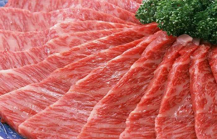 Sự kết hợp giữa thịt đỏ với phô mai được yêu thích trong nhiều món ăn cổ điển nhưng kết quả nghiên cứu của khoa học hiện đại cho thấy thói quen sử dụng hai loại thực phẩm này cùng nhau có thể làm giảm lượng dinh dưỡng trong món ăn.