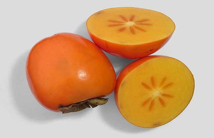 Quả hồng có chứa vị chát (tanin) và pectin. Khi ăn khoai lang cùng với hồng, tinh bột trong khoai lang sẽ tiết ra nhiều vị toan lẫn với chất tanin và pectin trong hồng, hình thành sỏi dạ dày. Nếu tình trạng nặng sẽ gây loét và chảy máu dạ dày.