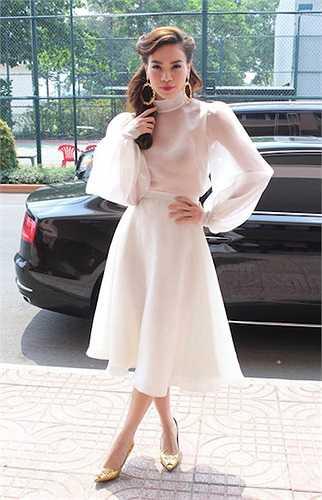 Cô không hề gò bó bản thân trong bất cứ định hình phong cách thời trang nào  (Theo 24h)