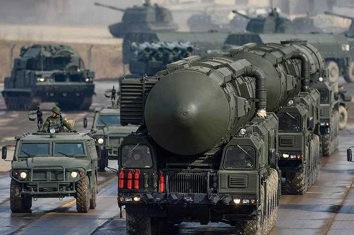 Tổ hợp tên lửa đạn đạo Topol-M của quân đội Nga