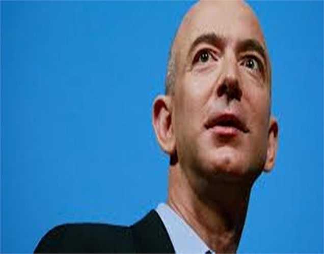 CEO hãng Amazon - Jeff Bezos chứng kiến sự thâm hụt tài sản lên đén 28% trong năm 2014 tức khoảng 5,5 tỷ USD.